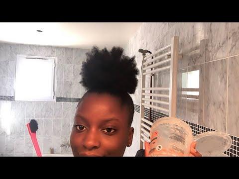 Se plaquer les cheveux crépus w/ peu de gel