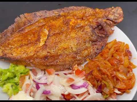 Poisson sol frit accompagné d'attiéké avec mon assaisonnement de poisson fait maison.